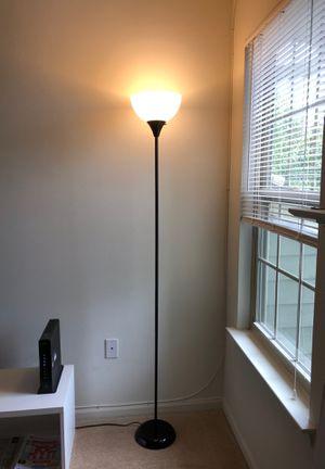 Floor lamp for Sale in West Windsor Township, NJ
