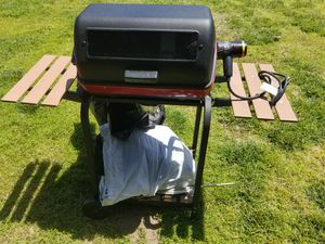 Small electric bbq grill for Sale in Spring Valley, CA