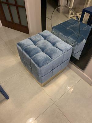 Ottoman / Cube blue for Sale in Miami Beach, FL