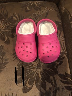 crocs size kids 11C & 12C 5ea or both for $8 pickup only by story & white rd for Sale in San Jose, CA