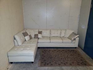 White leather sectional couch free delivery for Sale in Boca Raton, FL