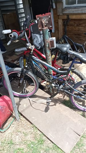 Hyper shocker dual suspension bike for Sale in Dallas, TX