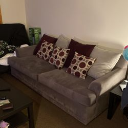 Couch for Sale in Oak Lawn,  IL