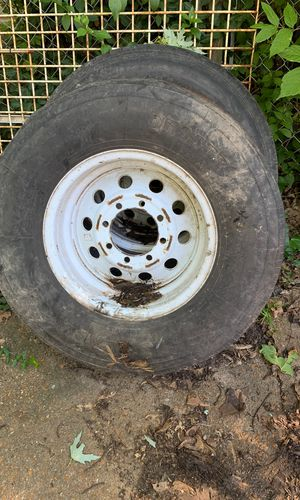 Set of 6 eight lug trailer wheels and tires for Sale in BRECKNRDG HLS, MO