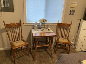 Beautiful antique Table and Chairs for Sale in Tacoma, WA