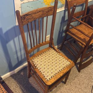 Great Old Chair! for Sale in Downers Grove, IL