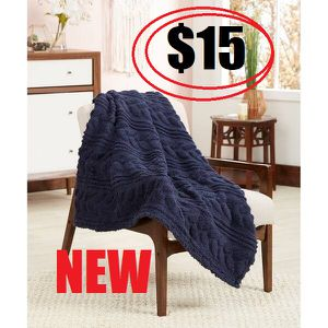 """NEW Sherpa throw blanket 50""""x60"""" Home Decor Sweater Cable Knit Throw with Ultra Soft Sherpa Lining. Reversible. Size: 50"""" x60"""". Blue color. for Sale in Ventura, CA"""