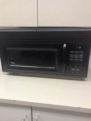 Under counter Whirlpool microwave 32 inch for Sale in Chicago, IL