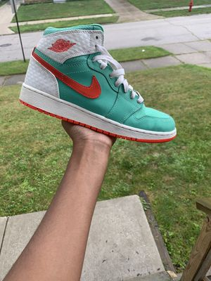 jordan 1 size 6y for Sale in Maple Heights, OH