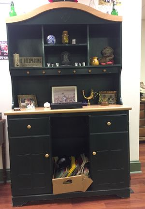 2 piece shelve stand for Sale in Martinsburg, WV