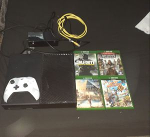 Xbox 1 with all cords, controller, headphones, 4 disk games, and 34 downloaded games for Sale in Las Vegas, NV