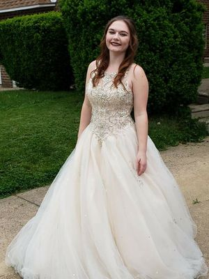 Wedding/prom dress for Sale in Philadelphia, PA