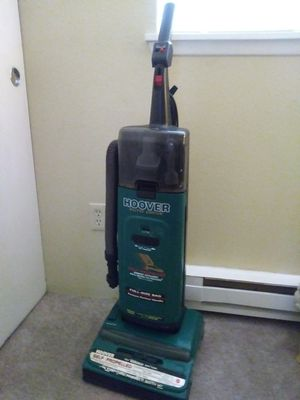 Hoover upright vacuum for Sale in Edgewood, WA