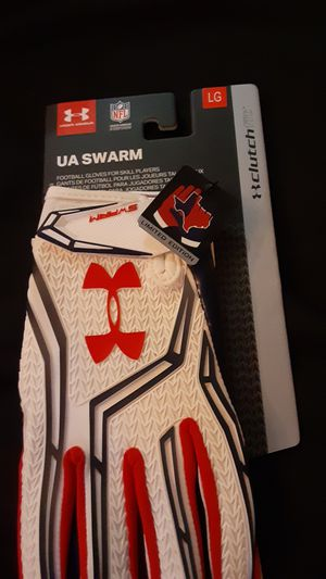 UNDER ARMOUR UA SWARM FOOTBALL GLOVES AND FOOTBALL SHOES Size 9 for Sale in Baltimore, MD