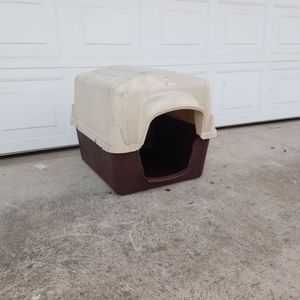 Dog house! for Sale in Fresno, CA