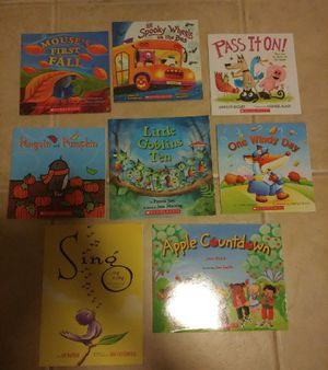 32 Like New Childrens Books & 6 Read-Along Books for Sale in Tampa, FL