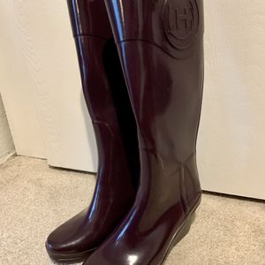 Hunter tall Wedge Rain Boots, Size 7 for Sale in Bellevue, WA