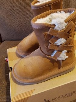 Koolaburra By Ugg Boots for Sale in Philadelphia,  PA