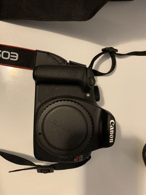 Canon t5 bundle pack like new for Sale in Cartersville, GA