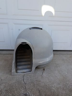 Small/Medium Dog house! for Sale in Fresno, CA
