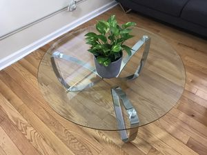 Round Coffee Table with matching End Table. for Sale in Prospect Park, NJ
