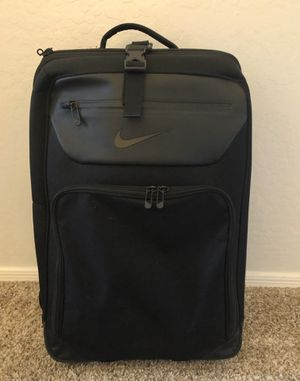 Nike roller suitcase bag for Sale in Scottsdale, AZ