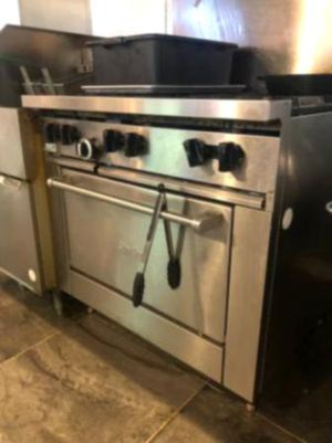 Whirlpool Gas Range Super Clean (Used from a clean home) for Sale in Tonto Basin, AZ