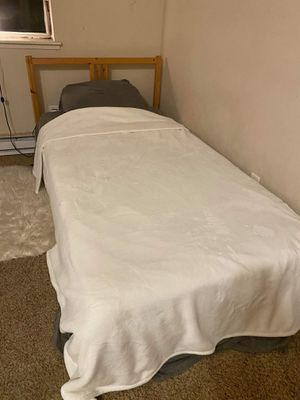 Twin bed with mattress 120$ for Sale in Kent, WA