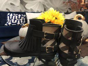 BURBERRY -rain boots for Sale in Chicago, IL