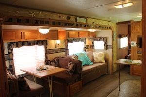 RV (sleeps 8) Forest River Rockwood Signature Ultra-Lite 8313SS 2008 for Sale in Norfolk, VA