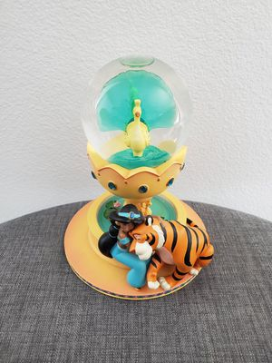 Disney Aladdin Princess Jasmine & Raja Snowglobe statue collectible for Sale in Anaheim, CA