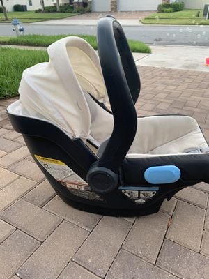 Uppa baby Mesa car seat and base for Sale in Orlando, FL