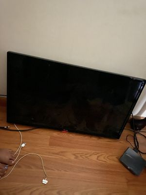 LG tv 32 inches for Sale in South Attleboro, MA