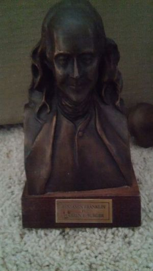 Bronze Bust on wooden base, Ben Franklin, by Warren E. Burger( Chief Justice Of US Supreme Court) for Sale in Baltimore, MD
