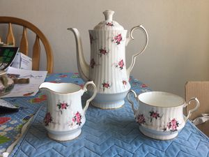 Vintage English tea set for Sale in Tacoma, WA