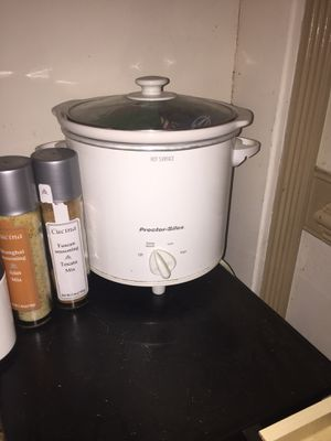 Crock pot slow cooker for Sale in Cary, NC