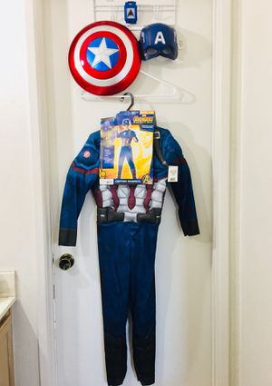 New! Captain America Costume Size (8-10) with Accessories for Sale in San Diego, CA