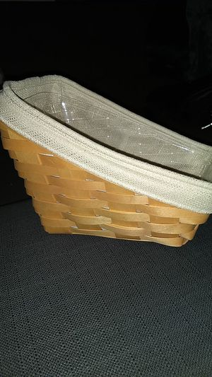 Longaberger Small Vegetable Basket (2001) - In Like New Condition for Sale in Phoenix, AZ