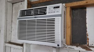 LG Window AC with Remote for Sale in Modesto, CA