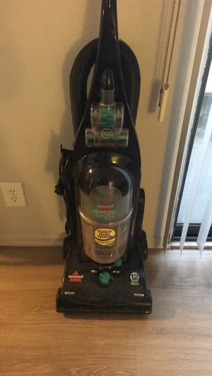 Bissell Bagless Vacuum for Sale in Santa Monica, CA