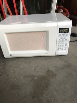 Ge working micro wave for Sale in Huntington Beach, CA