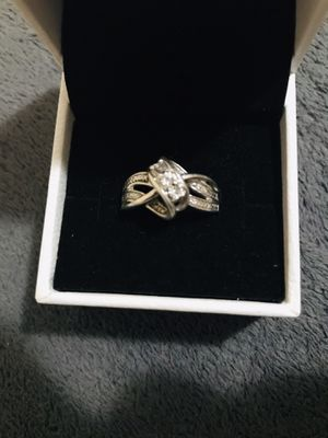 Kay jewelers swirl sterling silver ring with diamonds for Sale in Beaumont, TX