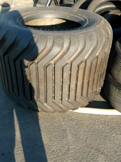 Tractor Tire Brand new700/40 22.5 for Sale in Los Angeles,  CA