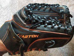 Easton Baseball/softball glove for Sale in Bothell, WA