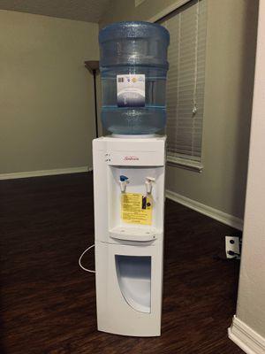 Sunbeam water dispenser for Sale in Orlando, FL