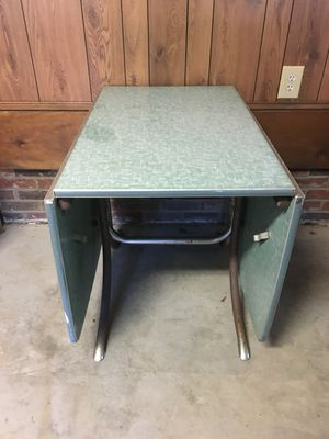 Vintage Mid Century Table for Sale in Gastonia, NC