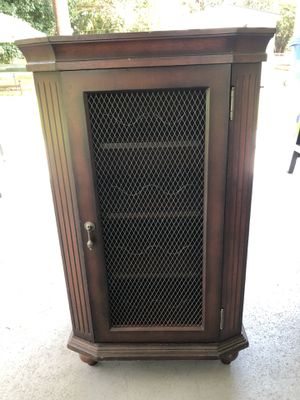 BEAUTIFUL MAHOGANY BAR W/REMOVABLE TRAY for Sale in Miami, FL