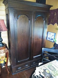 Antique armoire for Sale in NEW PRT RCHY,  FL