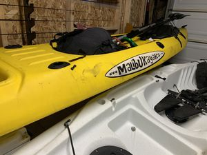 Malibu extreme fishing kayak for Sale in Long Beach, CA