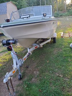 Glastron boat for Sale in Sprague,  CT
